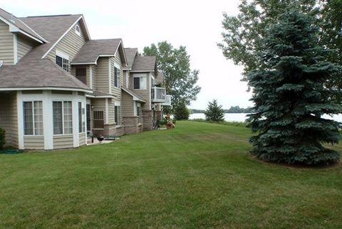 3456 Lake Shore Dr, Chaska, MN 55318