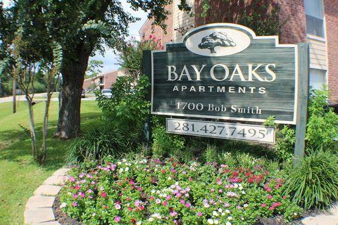 1700 Bob Smith Rd, Baytown, TX 77521