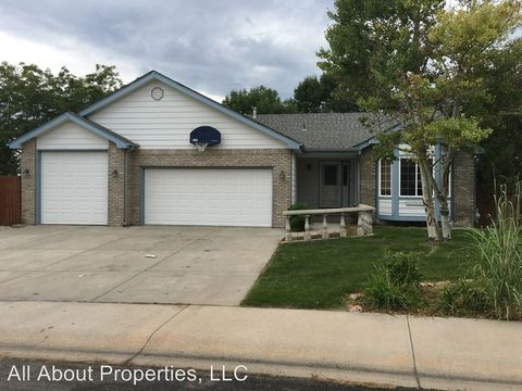 1130 Country Acres Dr, Johnstown, CO 80534