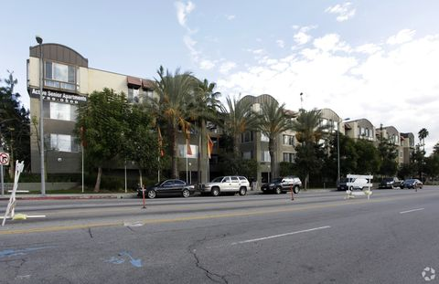 Photo of 6750 Whitsett Ave, North Hollywood, CA 91606
