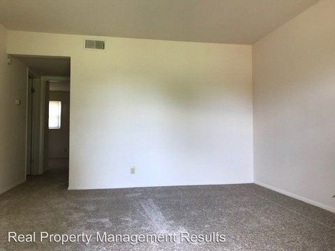 Photo of 1002 20th St, Tell City, IN 47586