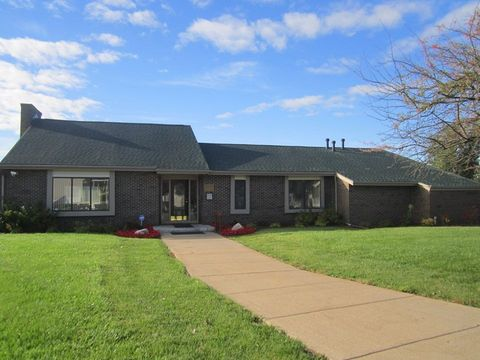 1800 Candlewick Dr, Owosso, MI 48867