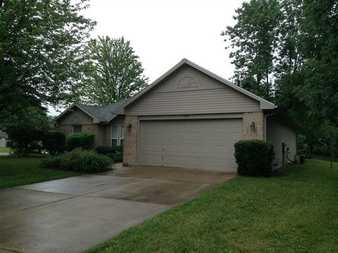 930 Sunset Dr, Englewood, OH 45322