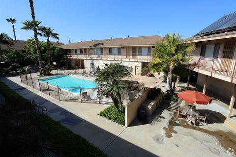 245 E Lincoln Ave, Orange, CA 92865
