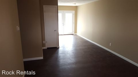 Photo Of 118 E 10th Ave, Hutchinson, KS 67501. Apartment For Rent
