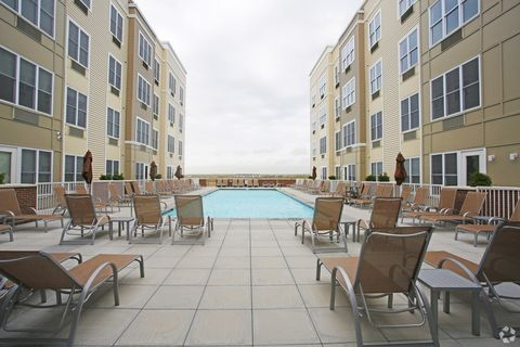 Photo Of 100 Schindler Ct Apt 120 East Rutherford Nj 07073 Apartment For Rent