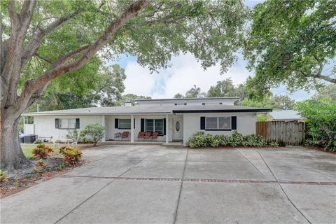 Photo of 1309 Lakeview Rd Apt A, Clearwater, FL 33756