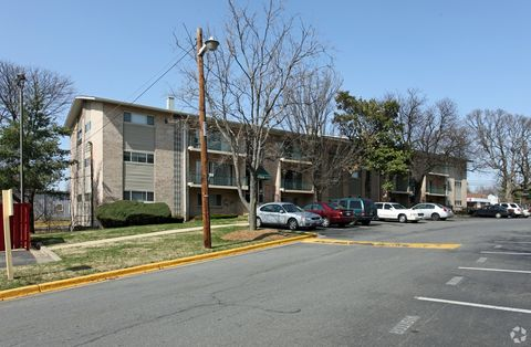 Photo Of 5521 Marlboro Pike District Heights Md 20747
