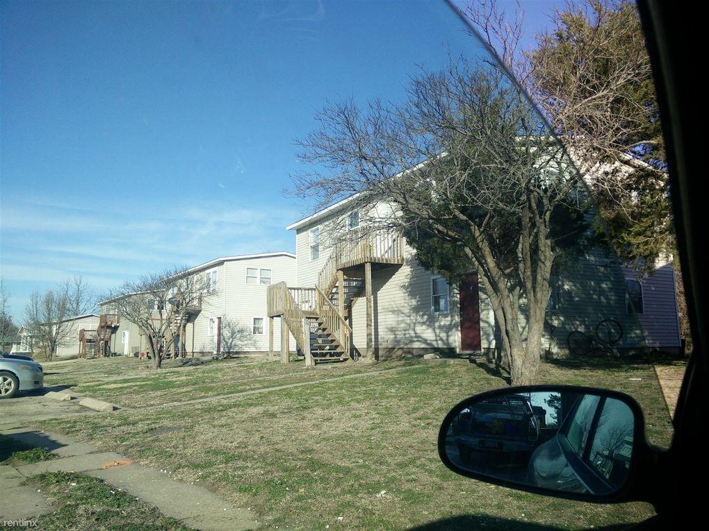 302 W 11th St # C, Halstead, KS 67056