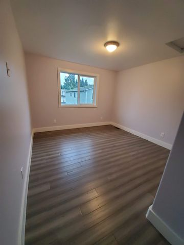 Photo of 11621 10th Ave S Rm 2, Burien, WA 98168