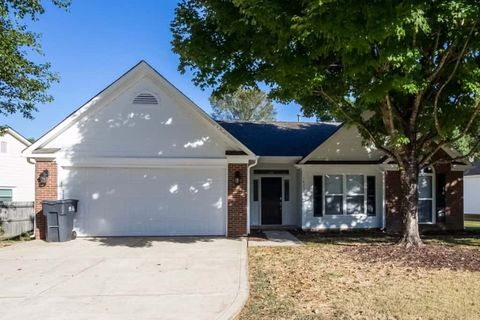 Photo of 14205 Carriage Lake Dr, Charlotte, NC 28273