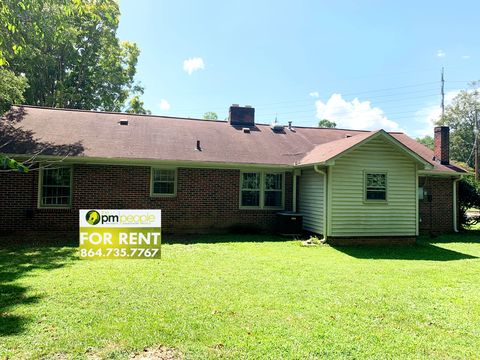 Photo of 1 Kennedy Dr, Greenville, SC 29605