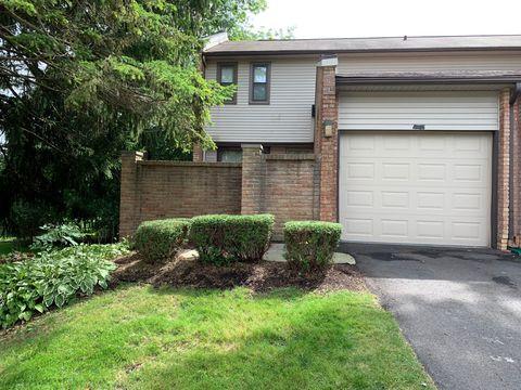 Photo of 1036 Willow Grove Ct, Rochester Hills, MI 48307