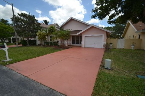 Photo of 20710 Nw 5th St, Pembroke Pines, FL 33029