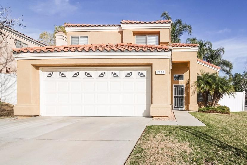7685 Sweetwater Ln, Highland, CA 92346