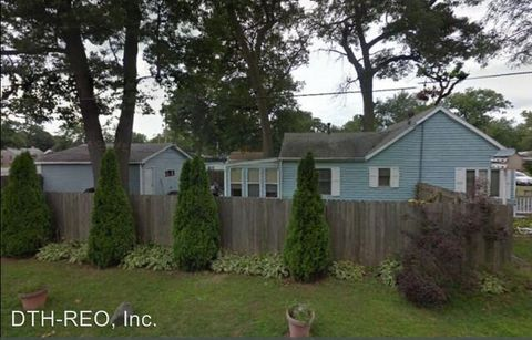 147 N Wright St, Griffith, IN 46319