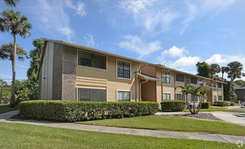 Photo of 958 Village Trl, Port Orange, FL 32127