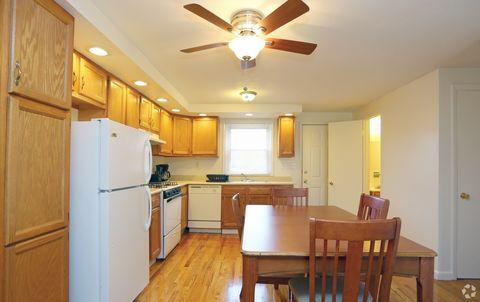Photo of 128 W Pleasant St, Manlius, NY 13104