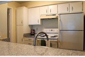 Apartments for Rent at 8600 Buckingham Ln, Kansas City, MO, 64138 ...