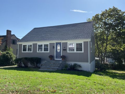 Photo of 48 Seminole Ave, Weymouth, MA 02188