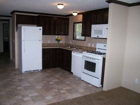 2 West St, Caledonia, OH 43314