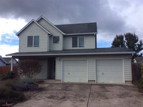 Photo of 2412 Mount Vernon St Se, Albany, OR 97322