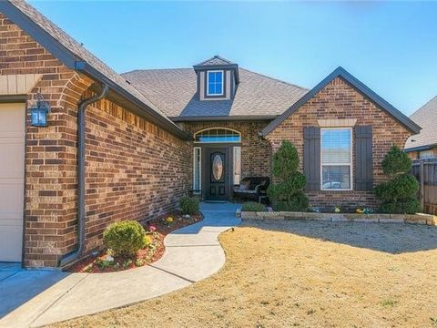 Photo of 10208 Sw 25th St, Yukon, OK 73099