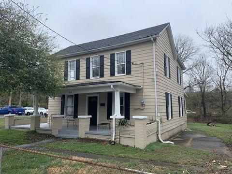 Photo of 804 Claiborne St, Johnson City, TN 37601