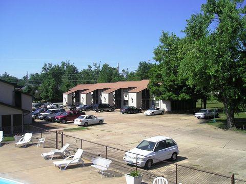 Photo of 601 Wallace Rd, Farmington, MO 63640