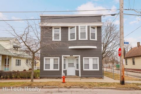 Photo of 3233 W 56th St, Cleveland, OH 44102