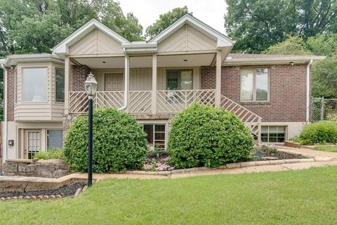 Photo of 5705 Vine Ridge-4br/2ba Dr Unit 1, Nashville, TN 37205