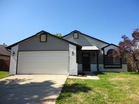 Photo of 3930 Truro Ct, Indianapolis, IN 46228