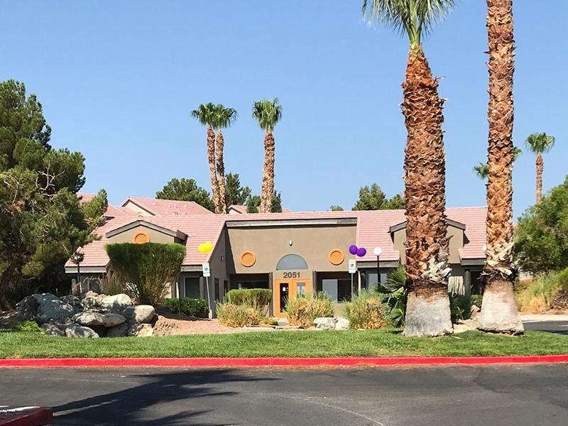 2051 N Torrey Pines Dr, Las Vegas, NV 89108