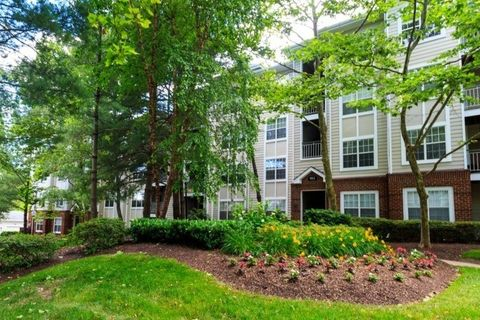 Photo of 916 Beacon Square Ct, Gaithersburg, MD 20878
