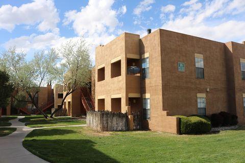 Photo of 4000 La Carrera Ln, Santa Fe, NM 87507