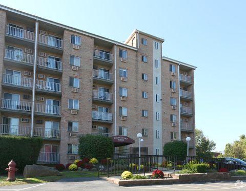 Photo of 300-330 W 3rd St, Bridgeport, PA 19405
