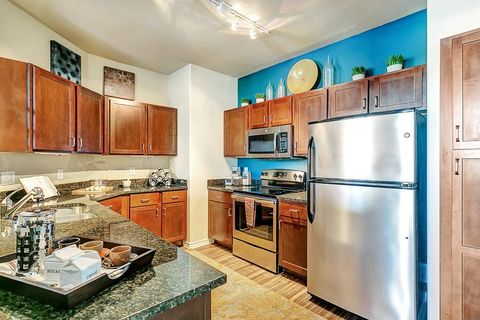401 W Northwest Hwy, Irving, TX 75039