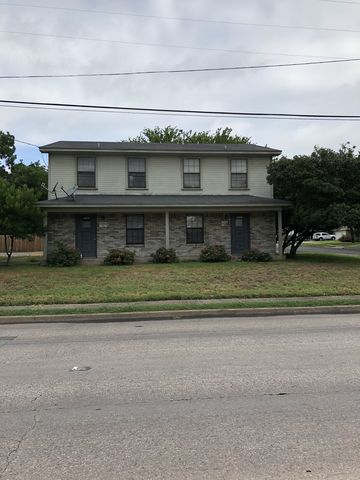 Photo of 3303 W Waco Dr, Waco, TX 76707