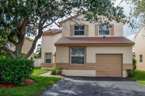 Photo of 2170 Nw 185th Way, Pembroke Pines, FL 33029