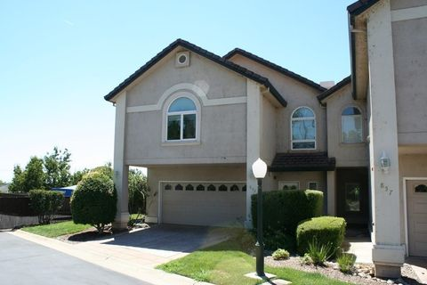 853 Cherryhill Trl, Redding, CA 96003