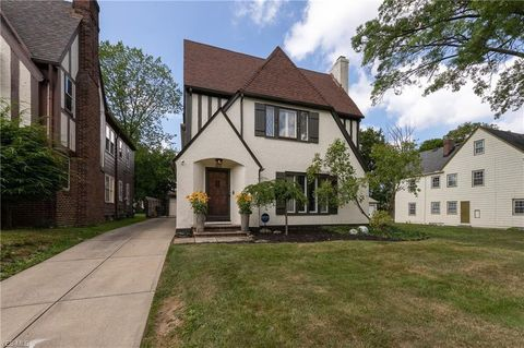 Photo of 3658 Daleford Rd # 2, Shaker Heights, OH 44120