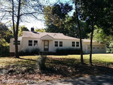 812 Grand Ave, Muscle Shoals, AL 35661