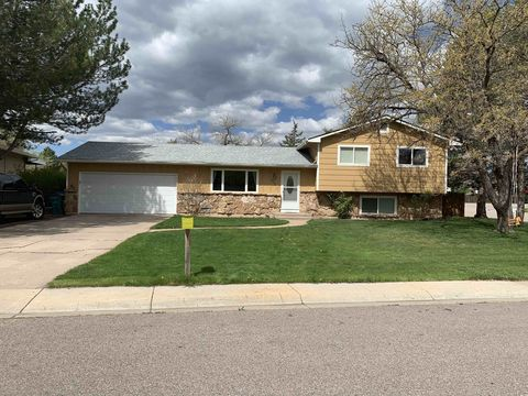 Photo of 2049 Manchester Dr, Fort Collins, CO 80526