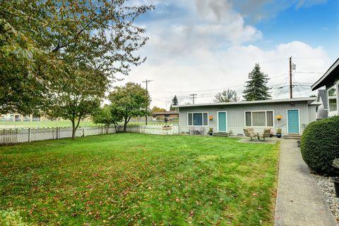 Photo of 2130 Walnut St, Everett, WA 98201