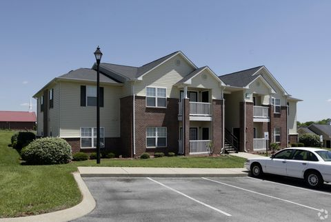 90 Freedom Ln, Columbia, TN 38401