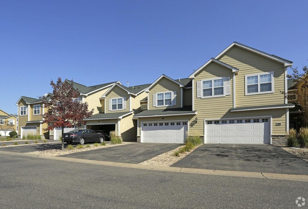 10285 Grand Forest Ln, Woodbury, MN 55129