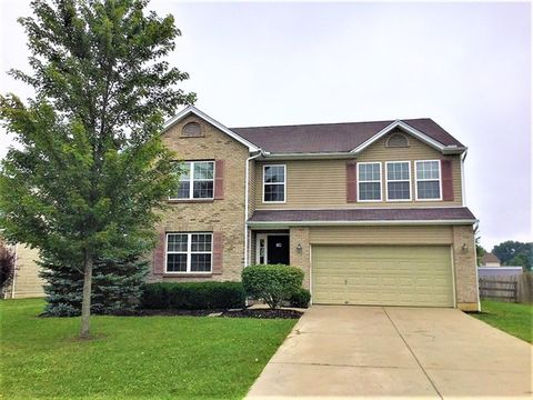 8 Finch Ct, Amelia, OH 45102