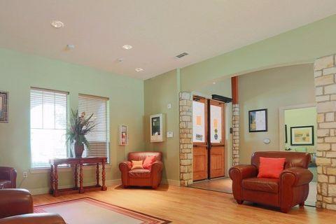Photo of 102 Emerald Ash, San Antonio, TX 78221