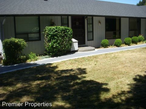 Photo of 17346 Holmes Dr, Brookings, OR 97415