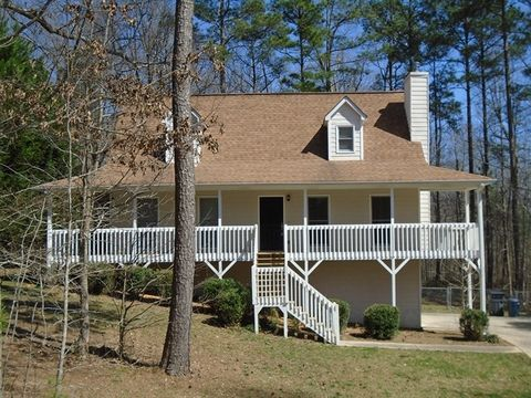 Photo of 233 Silverthorne Cir, Douglasville, GA 30134